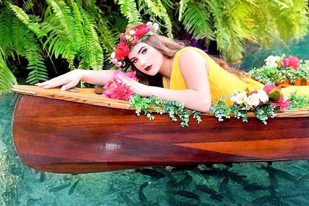 foto de quincecañera canoa florar  Secret Garden