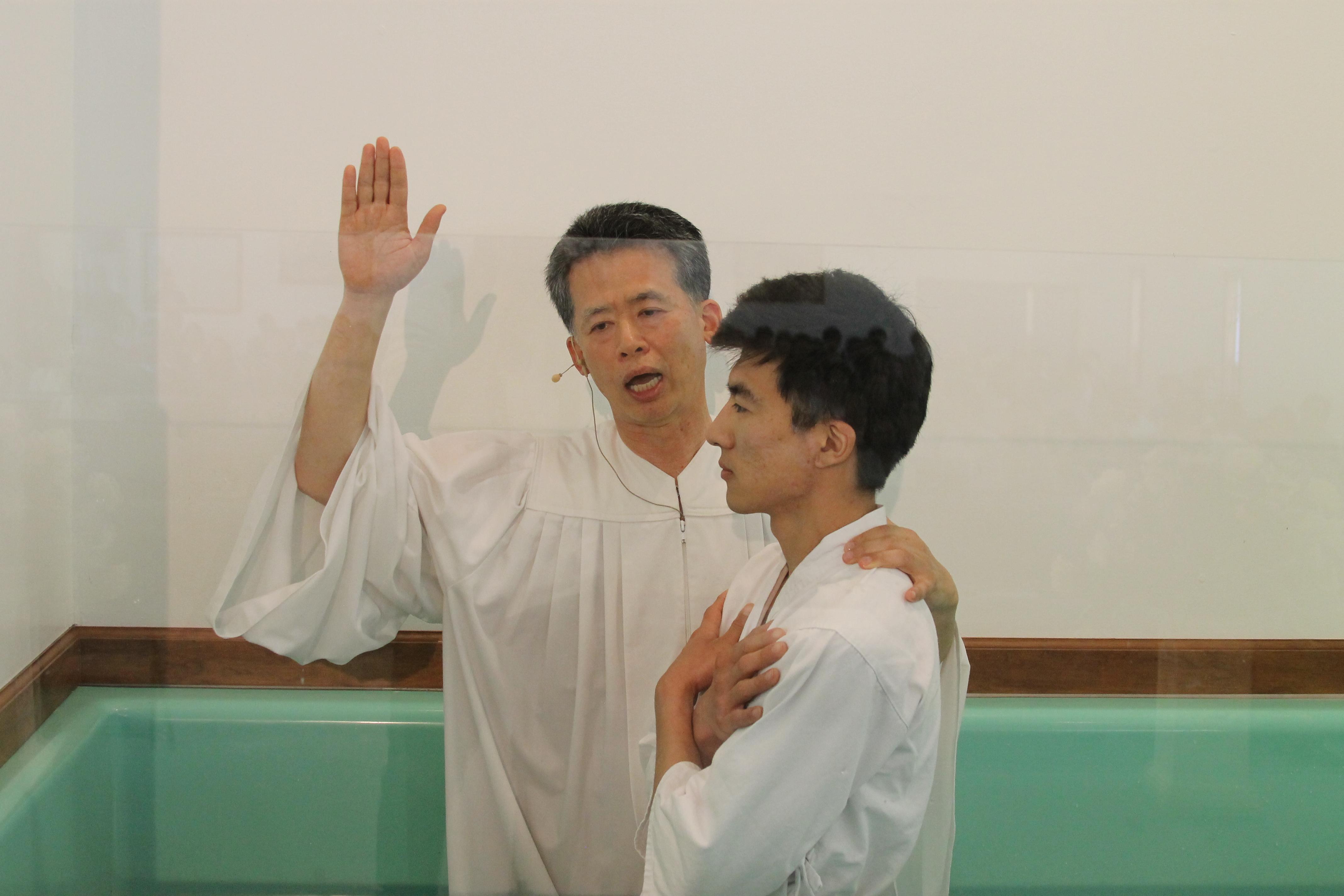4/20일 부활절 이연진 형제님 침례식