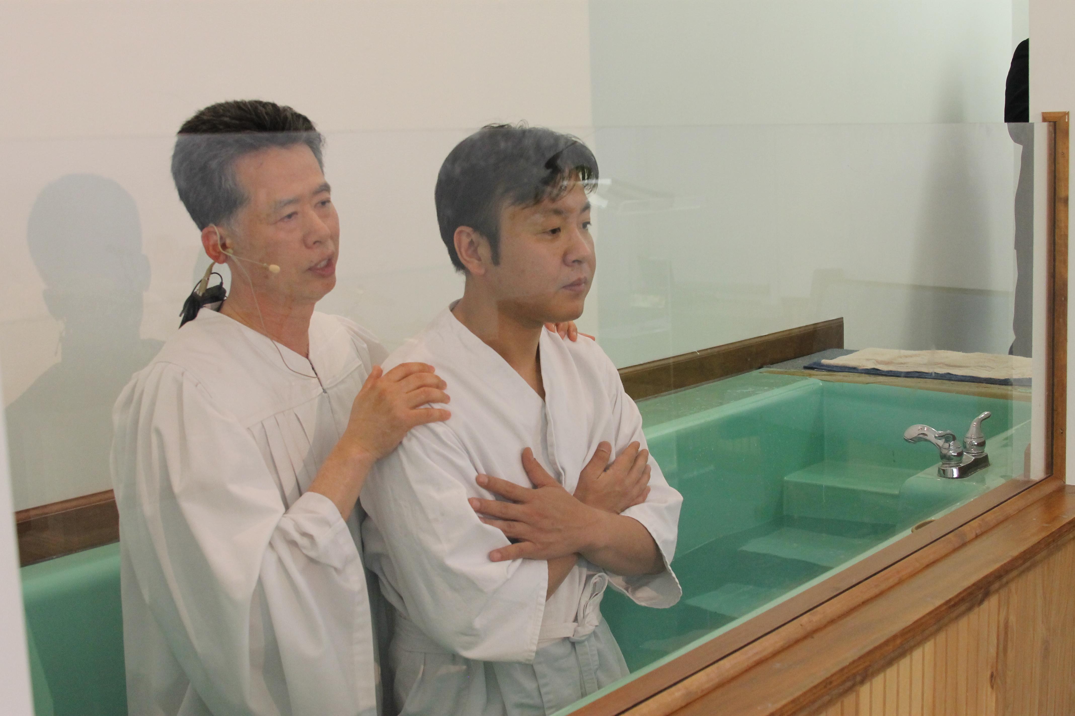 4/20일 부활절 이성근 형제님 침례식