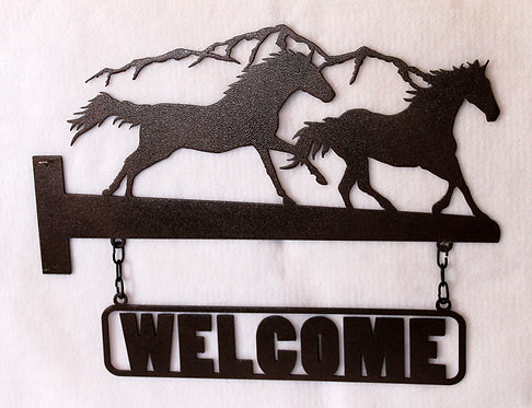 Welcome Sign with Galloping Horses for a Horizontal Post