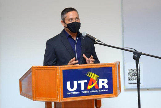 Prof Shangkar emphasising on the importance of ECFC and its roles in entrepreneurship among UTAR students