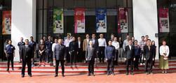 Group photography among UTAR staff, MCM Group, MCM eCOM Global Venture Sdn Bhd and partners.