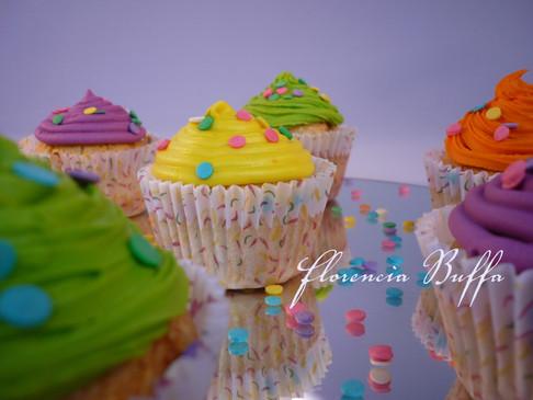 cupcakes web.JPG