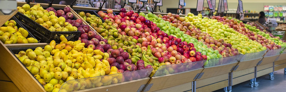 mixed-summer-fruits-at-the-grocery-stand