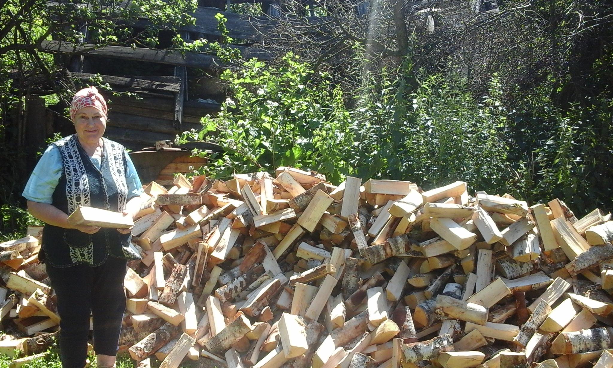добавок человек колет дрова картинки говоря