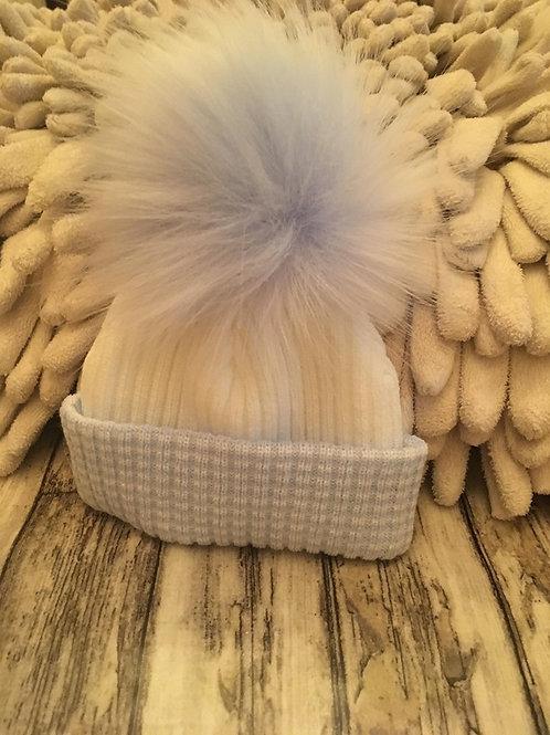 Single pom hat