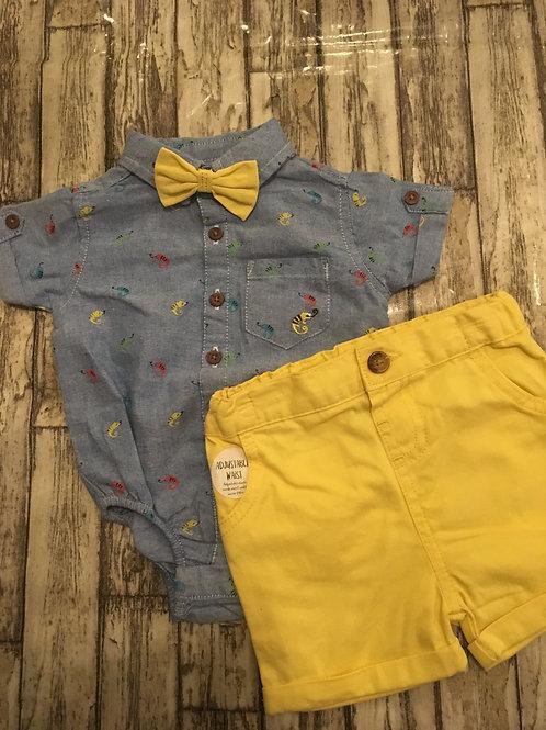 Shirt, shorts and bow