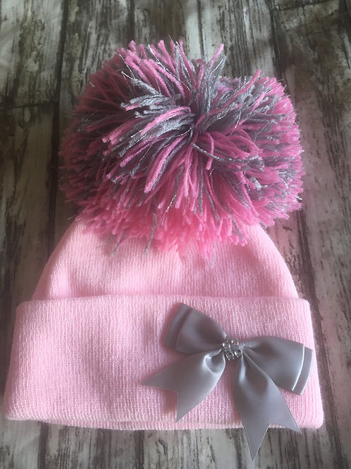 Pom hat with bow