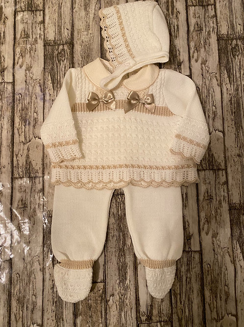 Spanish knitted set
