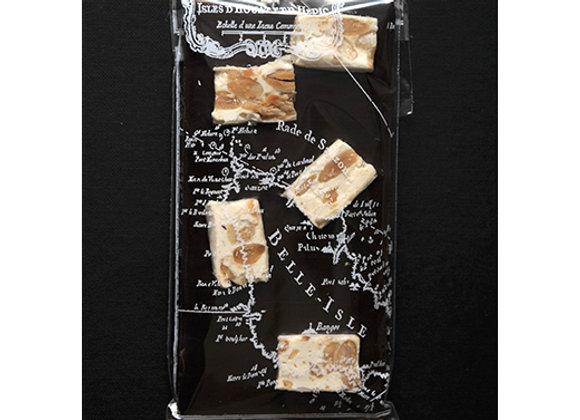 Tablette au chocolat noir et nougats