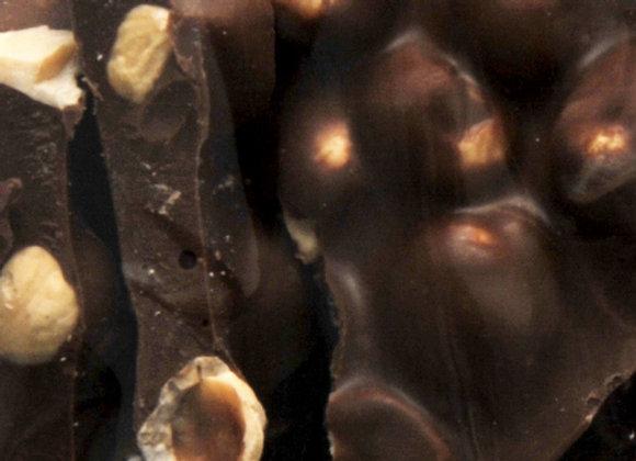 Tuiles chocolat noir et noisettes entières