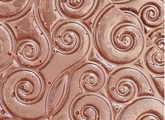 Tuiles chocolat noir et crêpes dentelles