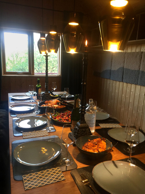 dinding room dinner ready large.jpg