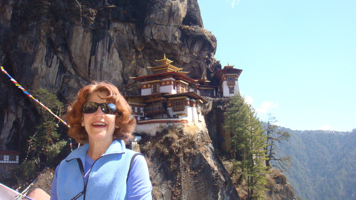 Hiking to Takhtsang