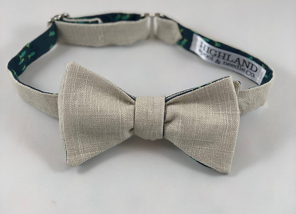 Linen/Blue Minnow reversible adult bow tie