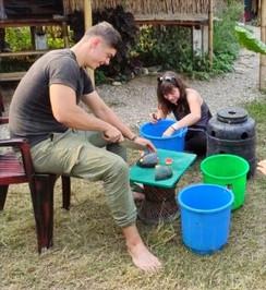 Food preparation volontaire Nepal