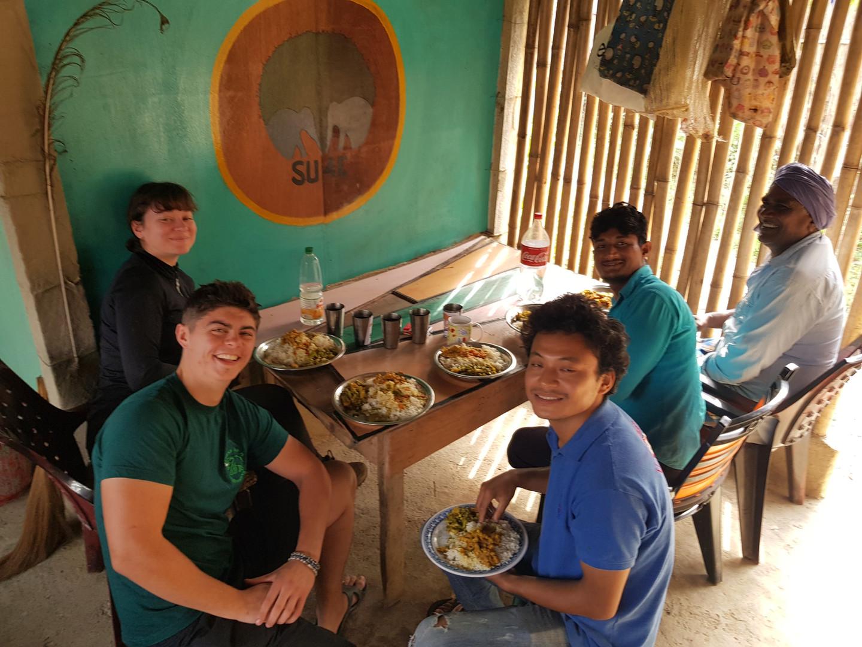 Volunteer volontariat Nepal
