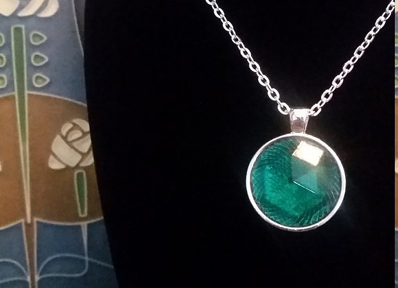 Green Gemstone Circle Pendant Necklace