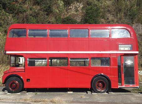 ロンドンバス ボディ塗装完了