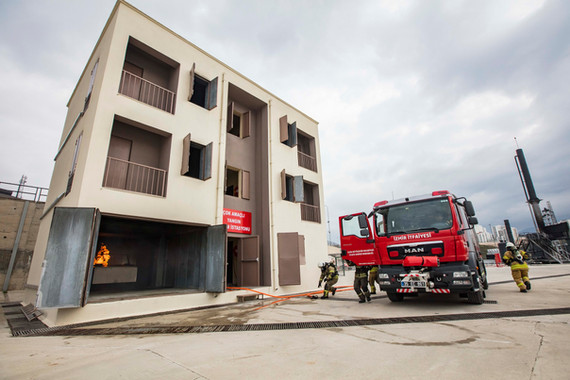 Izmir Building.jpg