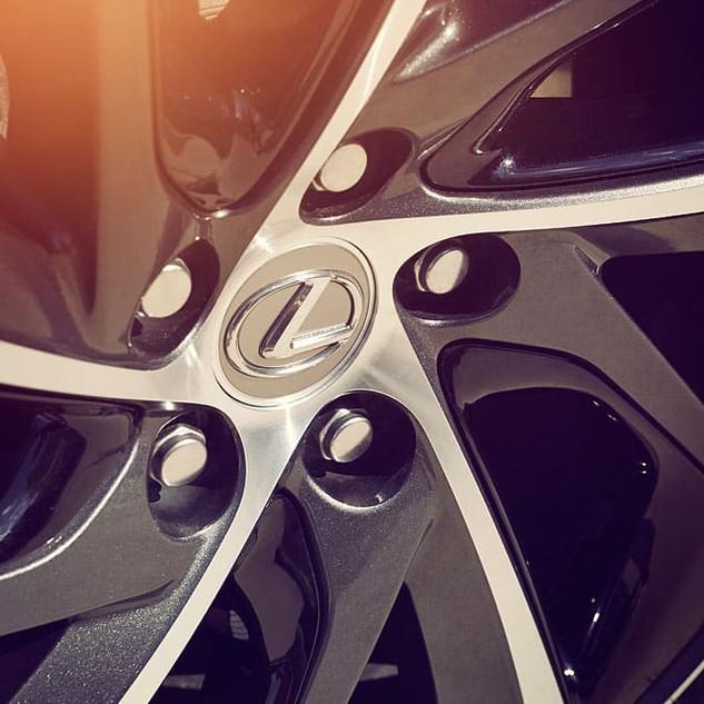 Lexus-RX-hybrid-alloy-wheels-inserts-gallery-overlay-1204x677-LEXRXHMY160022.jpg