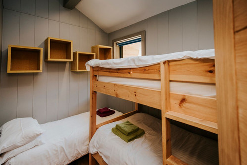 Bunk room with option of a fold out single bed