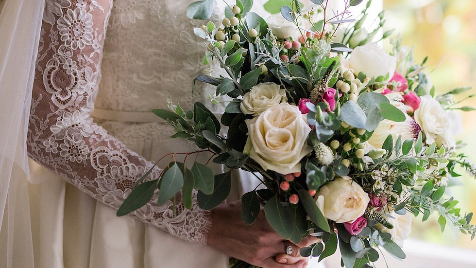 WEDDING FLOWERS BOOKING FEE