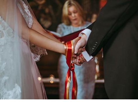 Liverpool Celebrant Weddings & Handfastings (photo by WE Studio)