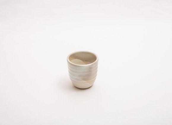 Porzellan Espresso Tasse Nr.13 handgetöpfert, Holzbrand