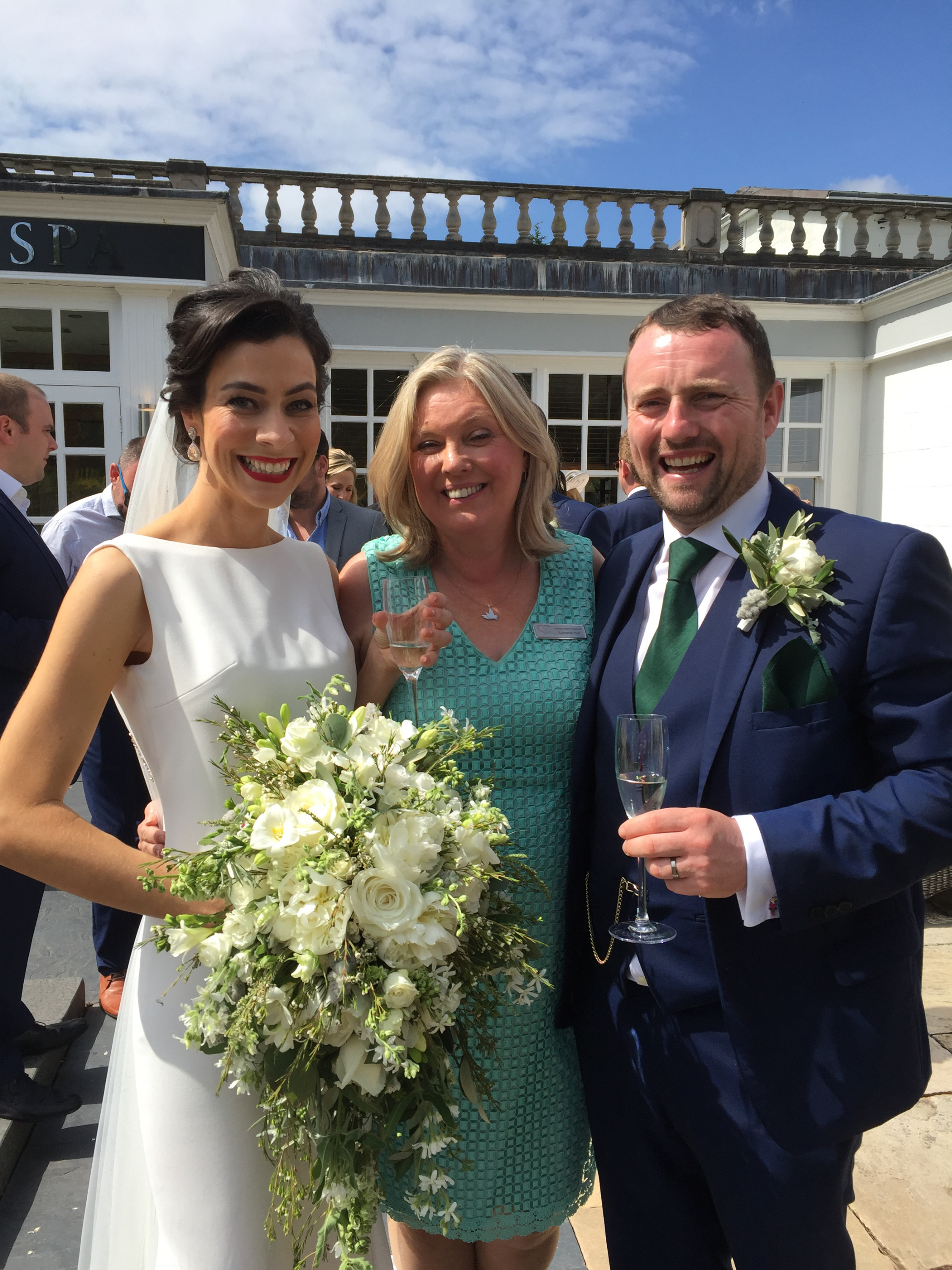 Cheshire Wedding Celebrant, Lorraine Hull