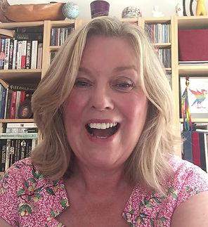 A warm welcome from award-winning Celebrant, Lorraine Hull