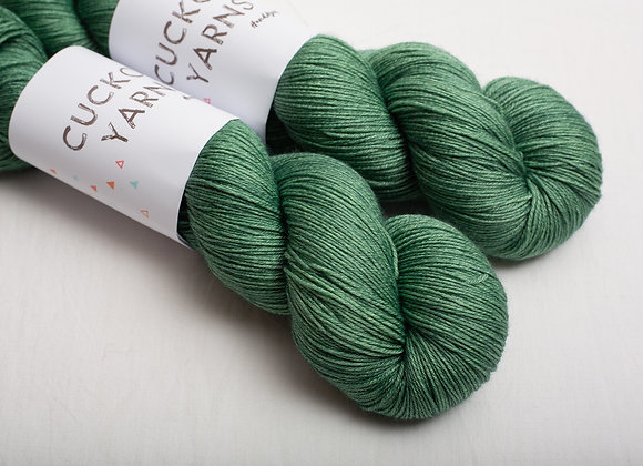 Cuckoo Yarns Lace 600 - Hunter