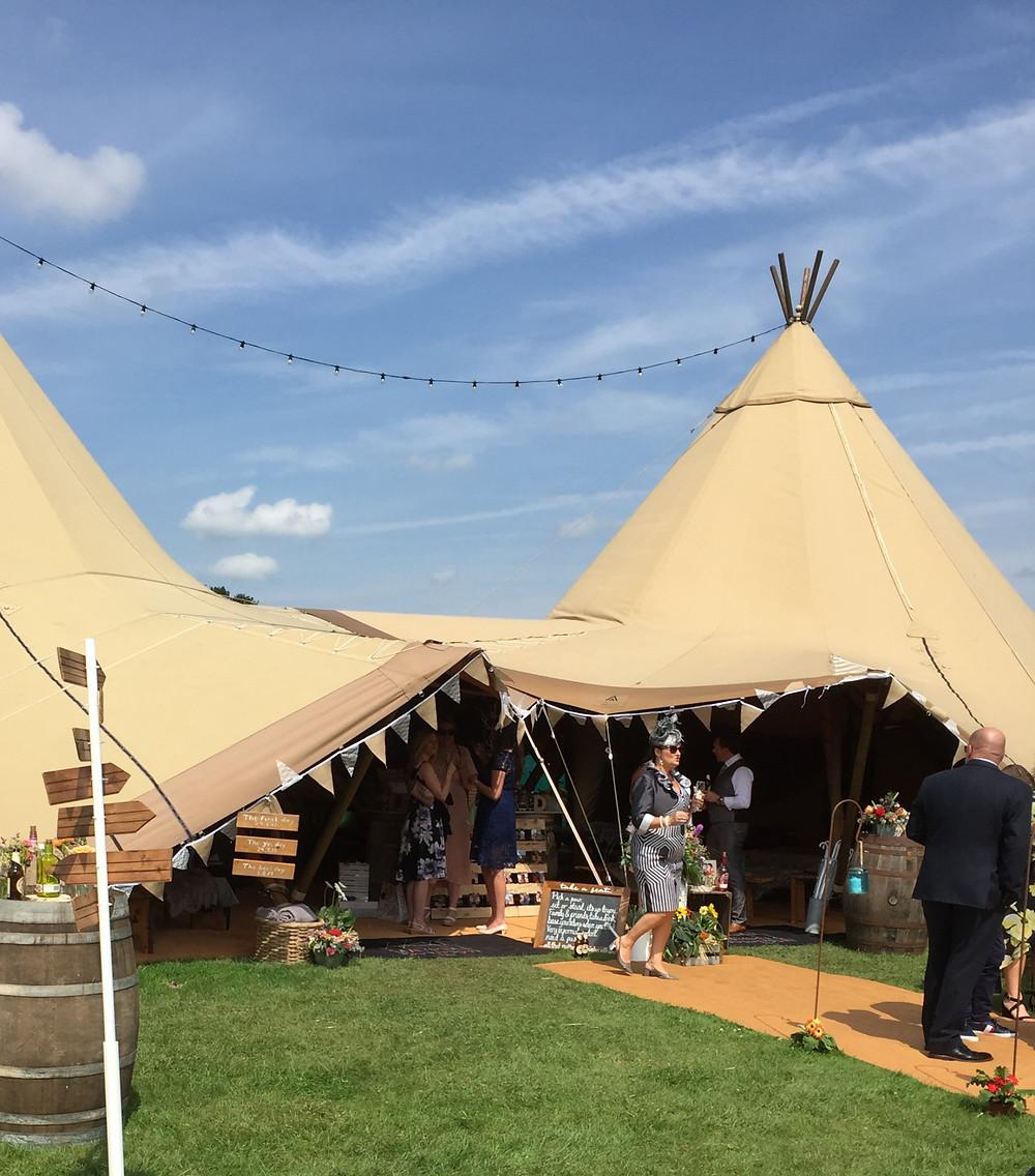 Lorraine Hull, Cheshire farm festival wedding