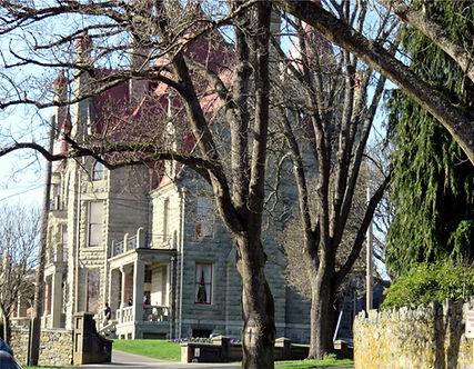 3-5 Craigdarroch castle.jpg
