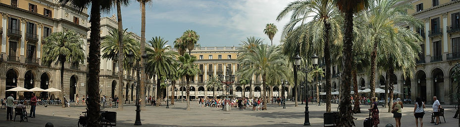 5   1920px-Barcelona_-_Plaça_Reial.jpg