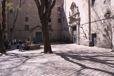 21   1280px-Plaza_de_San_Felipe_Neri._Ba