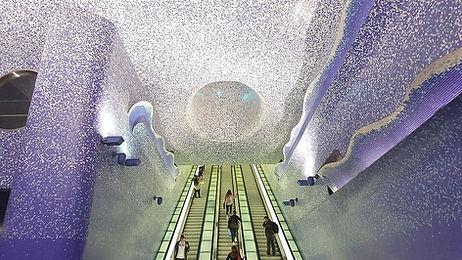 Scale_mobili_della_stazione_Toledo_(Napl