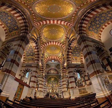 800px-Basilique_Notre-Dame-de-la-Garde_-