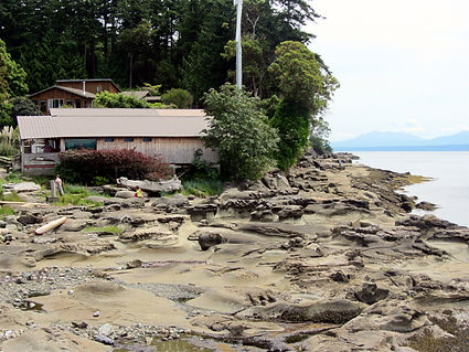 13-06-15 7 beach at ford cove.jpg