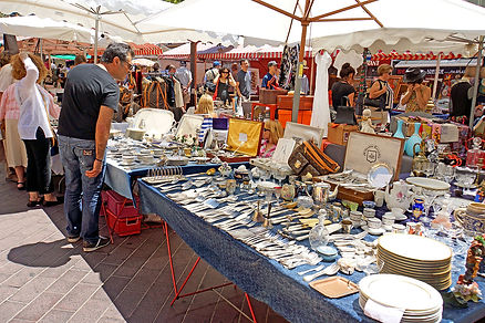 000France-002482_-_Market_Day_in_Nice_(1