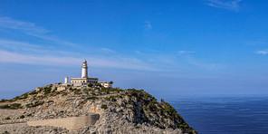 Majorque - Phare sur la colline