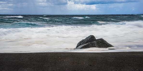 Açores - plage de sable noir