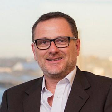 Bruno Gili: Responsable global de consultoría de negocios, con foco en estrategia, innovación y finanzas.