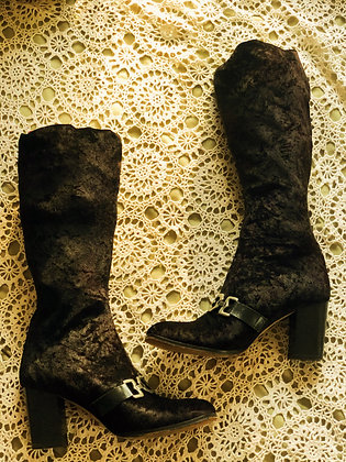 Vintage Knee High Velvet Boots (Size 10)