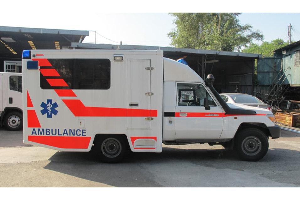 toyota-land-cruiser-box-ambulance-braun.