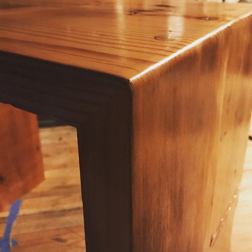 Oak pinned End Table