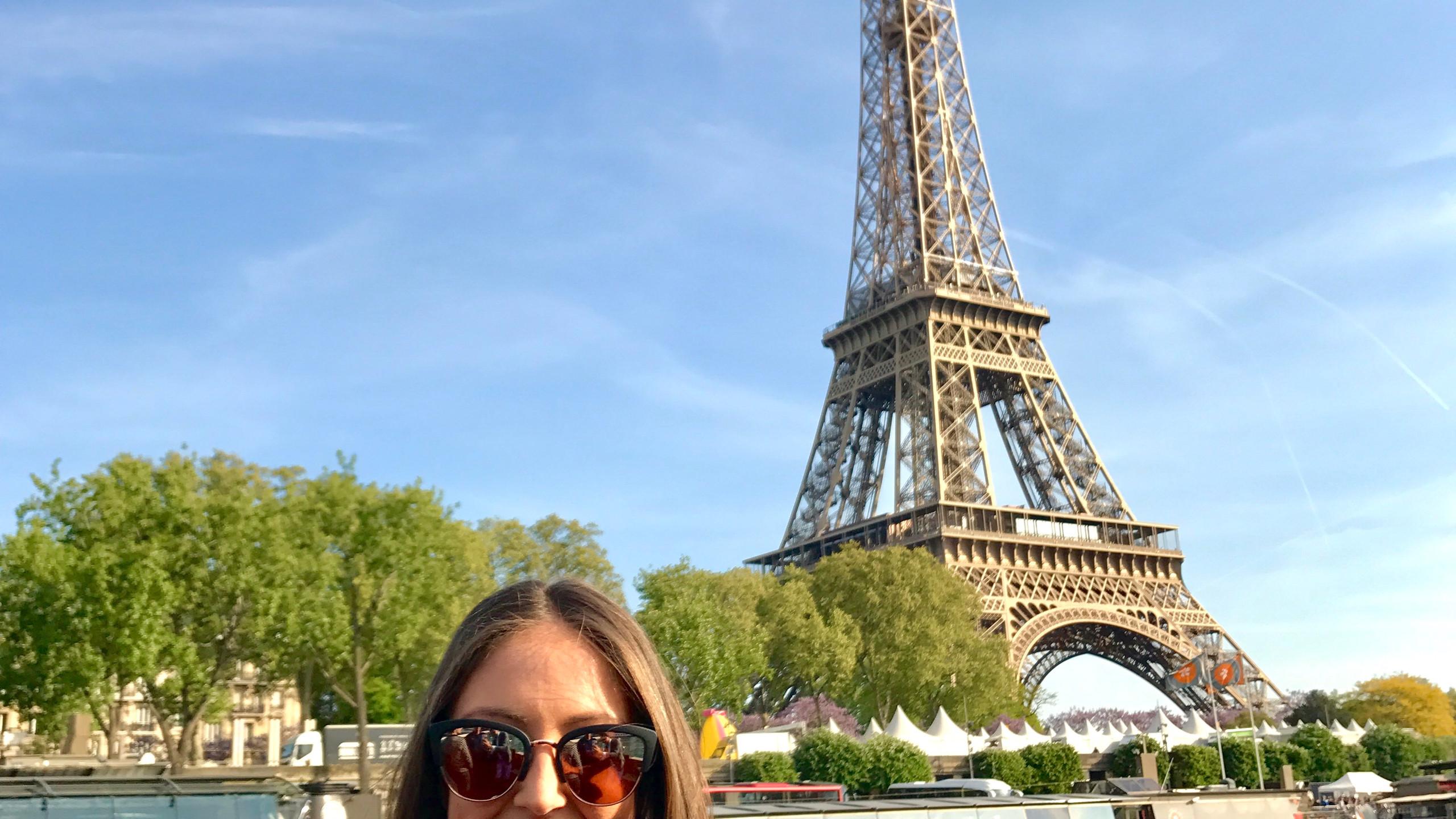Effiel Tour Backdrop