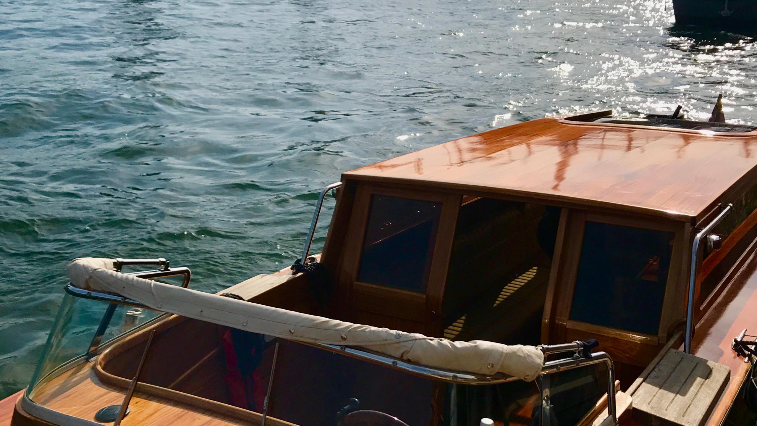 Mahaogany Wood Boat