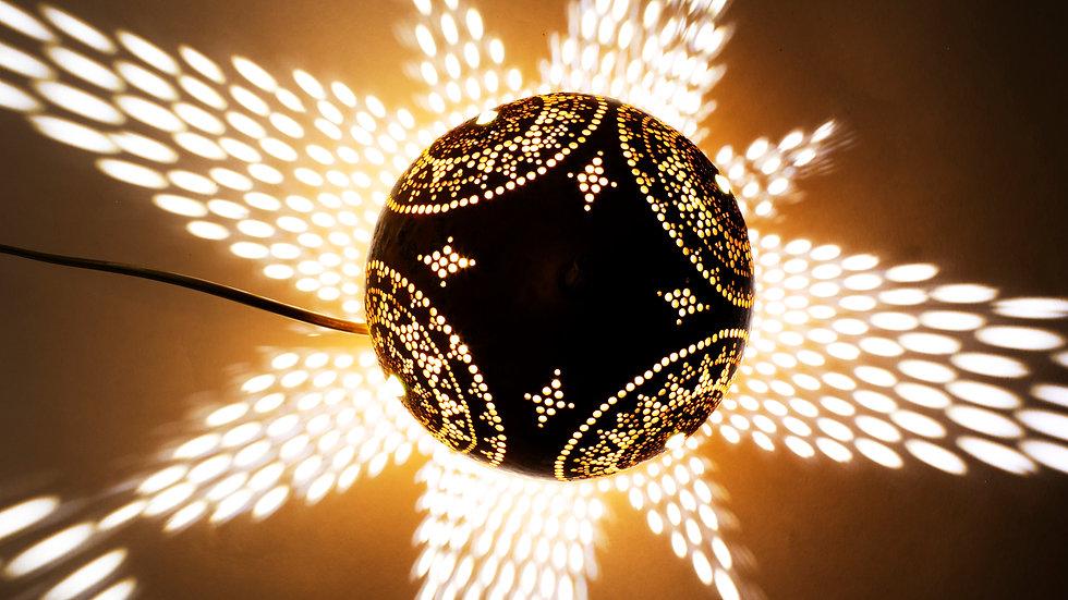 מנורת שולחן מנדלת השמש