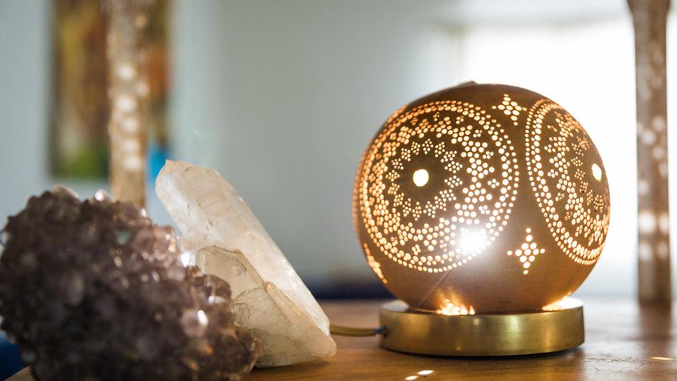 מנורת שולחן מנדלת ירח